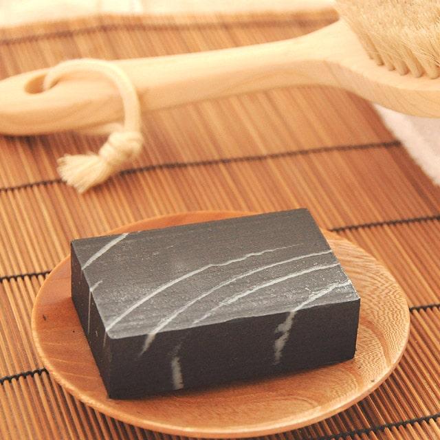 黒炭すっきり石鹸